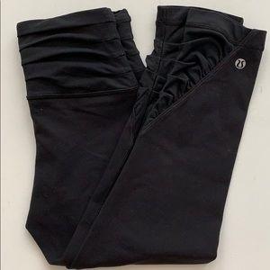 Lululemon   Black Rouged Crop Pants